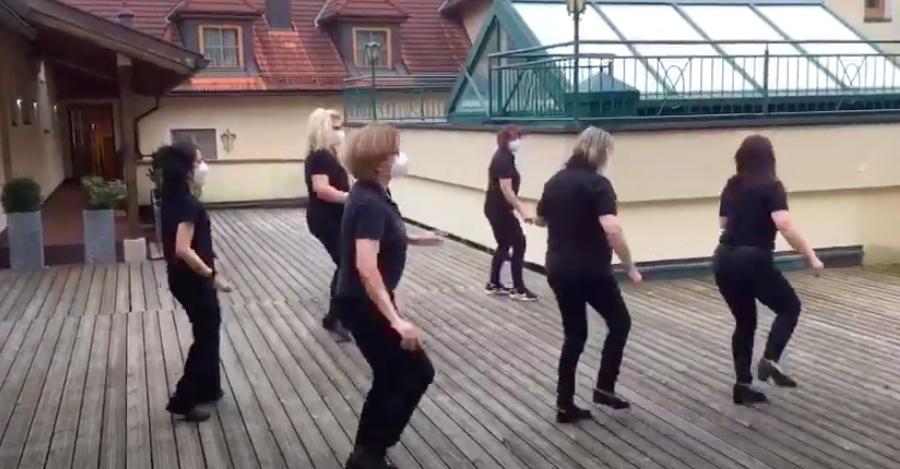 Jerusalema Dance Challenge: Hotel Zum Schwarzen Bären Emmersdorf